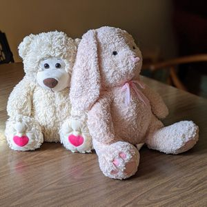 OVERSIZED, VALENTINES DAY BEAR & BUNNY for Sale in The Bronx, NY