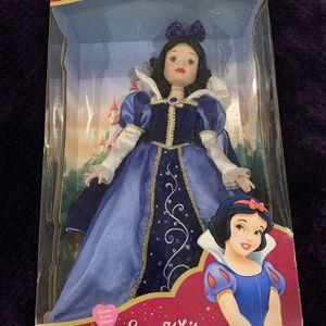Disney Snow White - Porcelain Keepsake Doll for Sale in Las Vegas, NV
