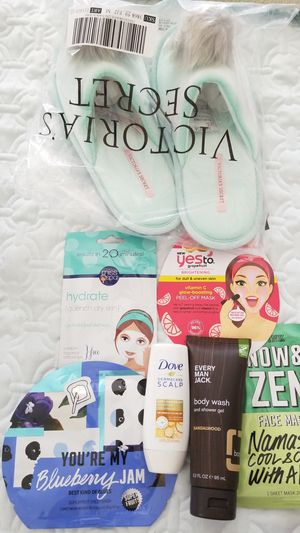 New health and beauty lot with Victoria's Secret slippers medium or 7 / 8 spa lot gift travel for Sale in Gilbert, AZ