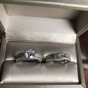 Gorgeous!!! 14K white Gold Bonded Brilliant Sapphires Cubic Zirconia 💎 Two piece set Promised Engagement ring 💍 Size 8 for Sale in Wood Dale, IL
