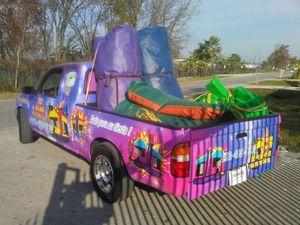 Se rentan brincolines mesas y sillas para tus fiestas {contact info removed}, for Sale in Houston, TX