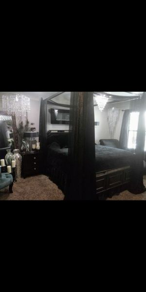 Queen size bed . long dresser & night stand & glass computer desk for Sale in Las Vegas, NV