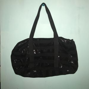 black duffle bag for Sale in Baltimore, MD