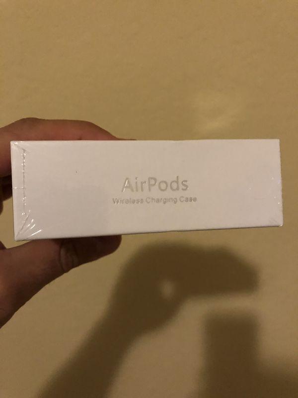 Apple Airpods 2nd Gen w/ wireless charging Case