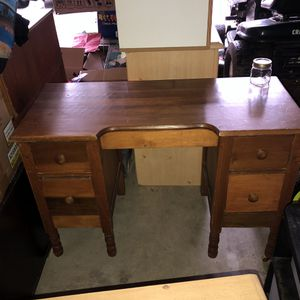 Super cute desk! for Sale in Fife, WA