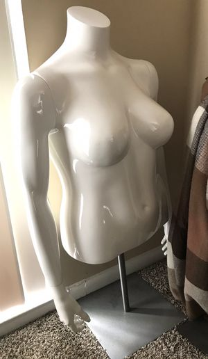 Plus size display mannequin for Sale in North Potomac, MD