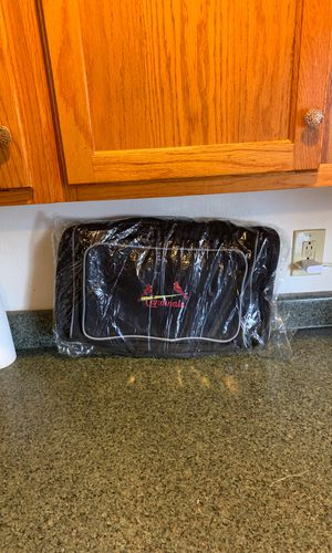 StLouis Cardinals Duffle Bag new in plastic. MLB Authentic Bag for Sale in Collinsville, IL