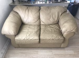 FREE LOVESEAT. MUST PICKUP. for Sale in Clearwater, FL