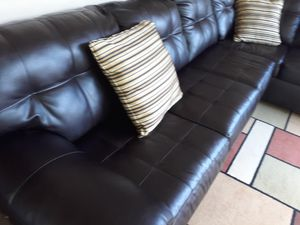 DARK BROWN LEATHER COUCH SECTIONAL. DELIVERY FREE for Sale in Hollywood, FL