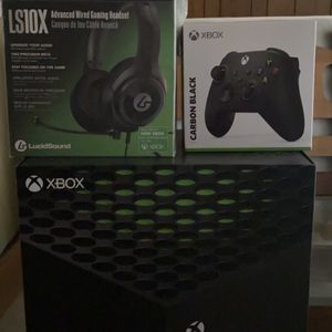Xbox Series X Bundle (4 Games, Controller, Headset) for Sale in Fresno, CA