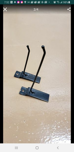 Slatwall Peg hooks 4inch & 6 inch, Retail store, display, hang products. for Sale in Pembroke Pines, FL
