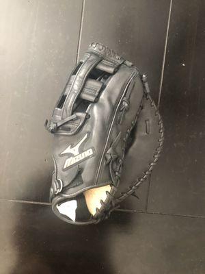 Mizuno global elite first base mitt for Sale in Fontana, CA