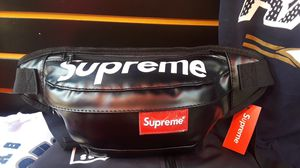 Black Supreme fanny pack for Sale in Whittier, CA