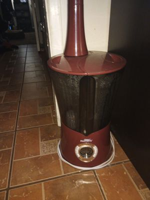 Air Innovations cool mist humidifier for Sale in Dover, FL