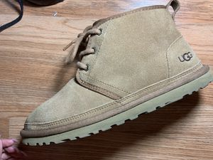 Uggs size 7y for Sale in Sacramento, CA
