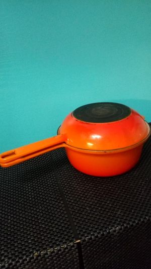 Le Creuset Blaze Orange Enamelware Cook set ft. Pan & Pot. Enamel Porcelain Cast Iron for Sale in New York, NY