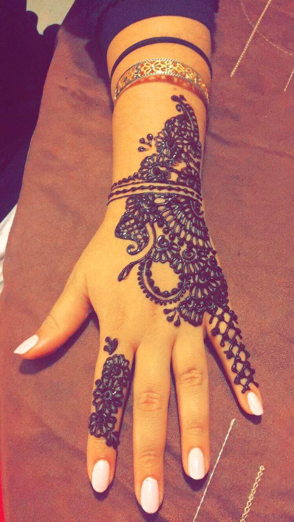 Henna on hand