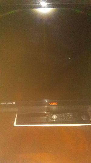 40in 1080p Vizio tv for Sale in Apache Junction, AZ