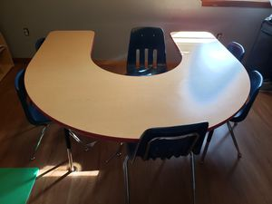 Kids table w/ 6 chairs (great for daycare or babysitting) for Sale in Hampton, VA