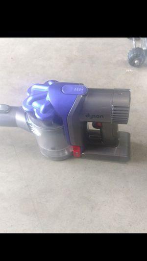 Dyson v8 cordless vacuum for Sale in Stockton, CA