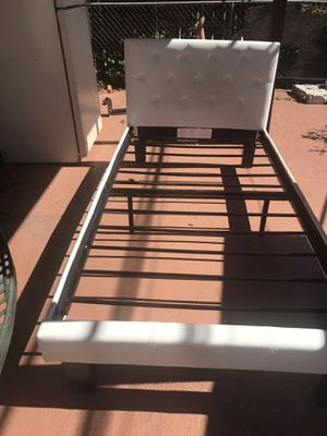 Twin frame bed for Sale in Hialeah, FL