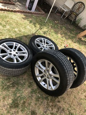 2014 original Camaro wheels and tires w/sensors for Sale in South Gate, CA