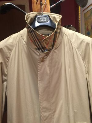 Burberry trench coat raincoat size 46 for Sale in Chicago, IL