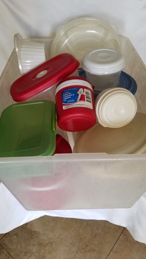 Tub of food storage containers. for Sale in Henderson, NV