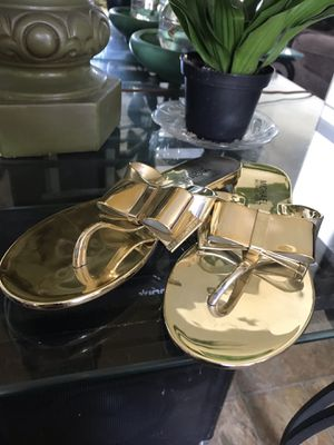 MK(Michael Kors) Metallic Gold Sandals 6 for Sale in San Diego, CA