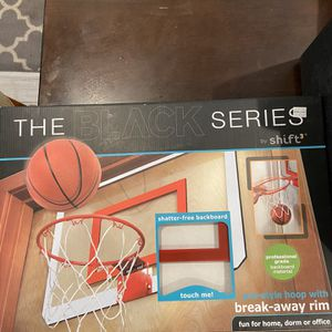 The Black Series Brand New Pro style Hoop With Break Away Rim for Sale in Chicago, IL