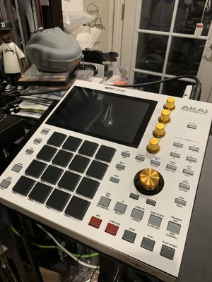 Custom AKAI MPC ONE w/ Gold Knobs for Sale in Belmont, CA