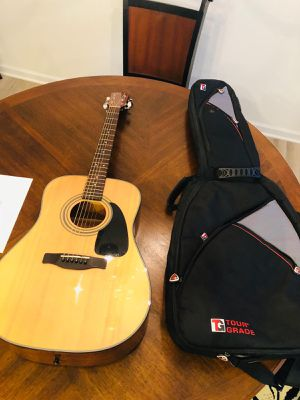 Acoustic Guitar for Sale in Clayton, NC