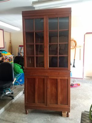 Antique corner cabinet for Sale in Roselle, IL