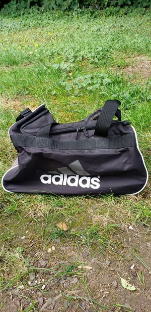 Small duffle bags for travel or gym . for Sale in Snoqualmie, WA