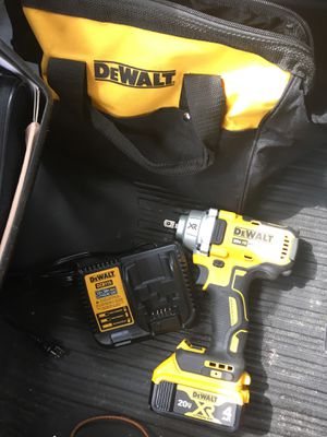 BRAND NEW XR 1/2 IMPACT WRENCH, 4.0 Ah 🔋 and CHARGER with CARRY BAG for Sale in Charlotte, NC