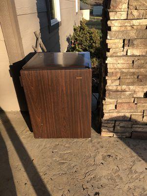 Free mini fridge for Sale in Beavercreek, OR