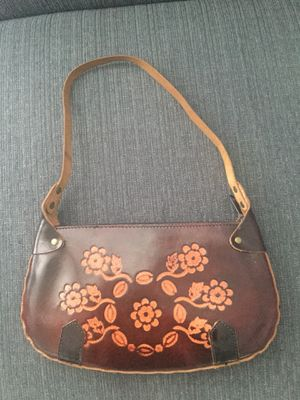 Leather purse for Sale in Cleveland, OH