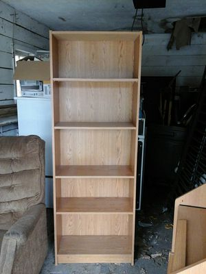 6 foot bookcase, 5 shelves for Sale in Detroit, MI
