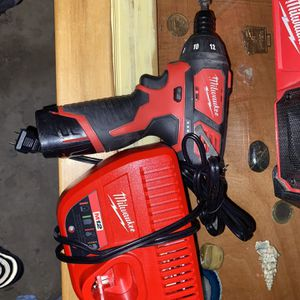 Milwaukee Drill 12V for Sale in Riverside, CA