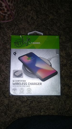 Qi certified wireless charger for Sale in Waverly, VA