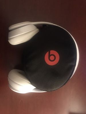 Beats Solo 3 Wireless Headphones 🎧 for Sale in March Air Reserve Base, CA