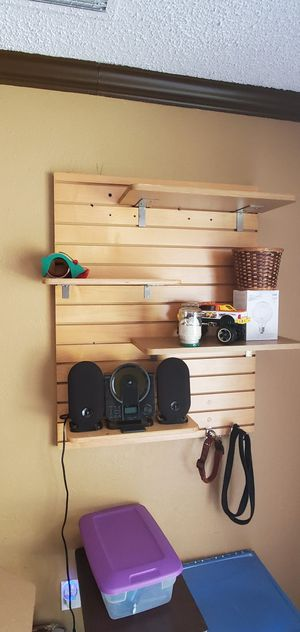 Wall shelves with brackets for Sale in Belle Isle, FL
