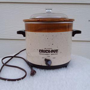 Vintage Rival Crock Pot Removable Server 3150 for Sale in Menifee, CA
