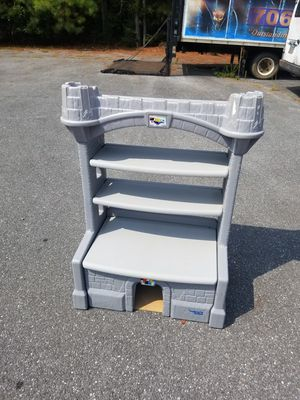 Kids Plastic Castle Bookshelf/Toy Box for Sale in Rockmart, GA