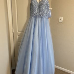 Formal Gown for Sale in Crosby, TX