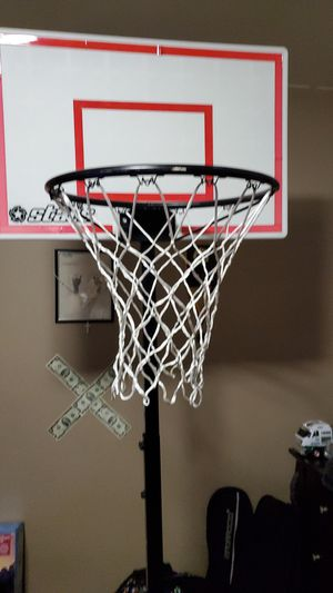 6-9ft adjustable basketball hoop for Sale in Brooklyn, NY