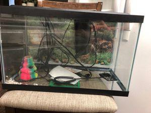 10 gallon fish tank for Sale in Lancaster, CA