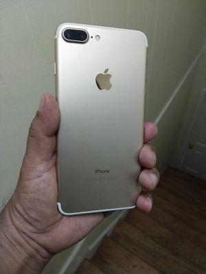 iPhone 7 plus unlocked 32gb for Sale in Falls Church, VA