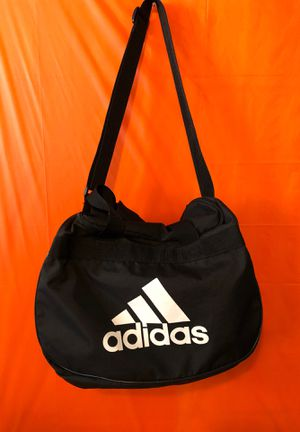 adidas duffle bag for Sale in Oakland, CA