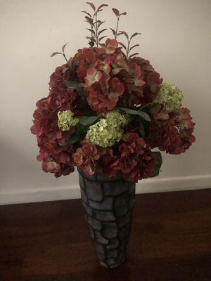 Decorative flower vase for Sale in West Windsor Township, NJ
